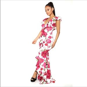 Dresses & Skirts - Floral White Pink Ruffles Maxi Stretch Dress Small